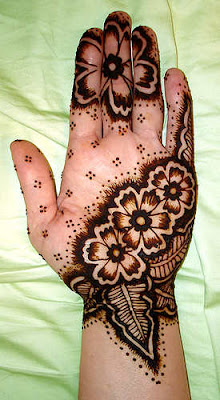 Latest-Arabic-Mehndi-Designs-for-Hand-2010-%25E2%2580%2593-2011-Collection