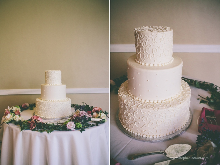 white-wedding-cake-decorated-with-fresh-flowers