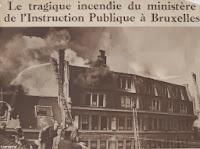 Ministerie van Openbaar Onderwijs te Brussel in lichterlaaie in 1947