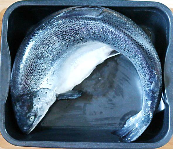 Ein ganzer Lachs | Arthurs Tochter Kocht von Astrid Paul