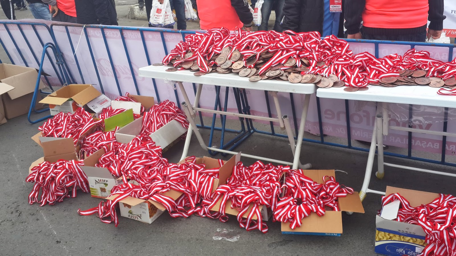 Vodafone Yarı İstanbul Maratonu 2014 Nisan madalyalar