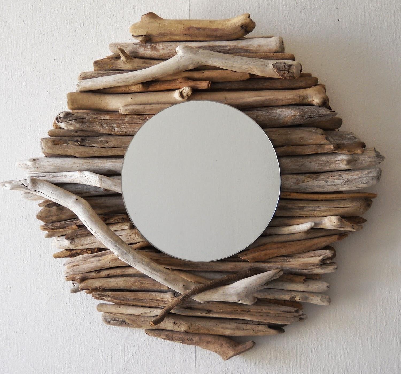 Espejos con madera a la deriva decoracion for Espejos redondos con marco de madera