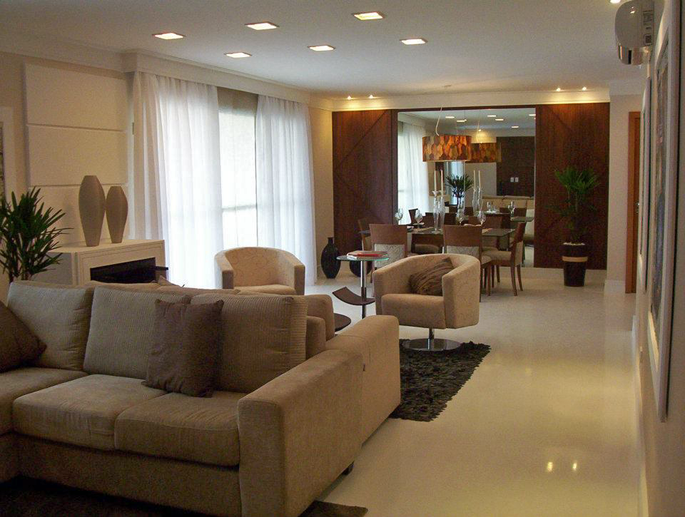 Sala De Estar Hospital ~ Sala de estar e jantar com estilo clássicocontemporâneo e com piso