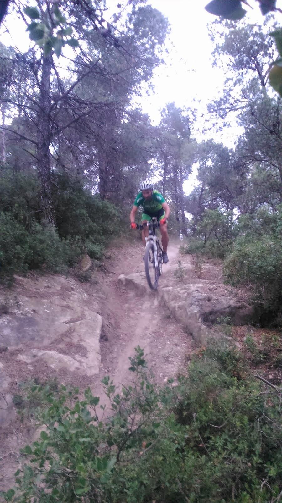 Els amics de pedals del Pedraforca provant la trialera
