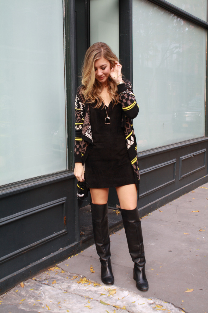 stunning outfits with black knee boots