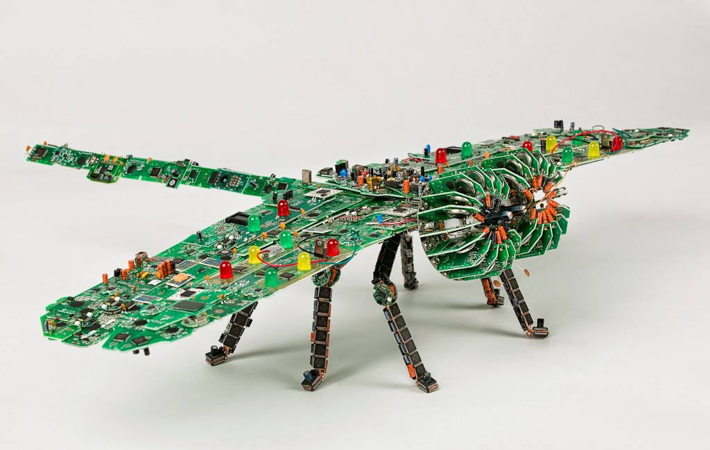 19-Insect-2-Steven-Rodrig-Upcycle-PCB-Sculptures-from-used-Electronics-www-designstack-co