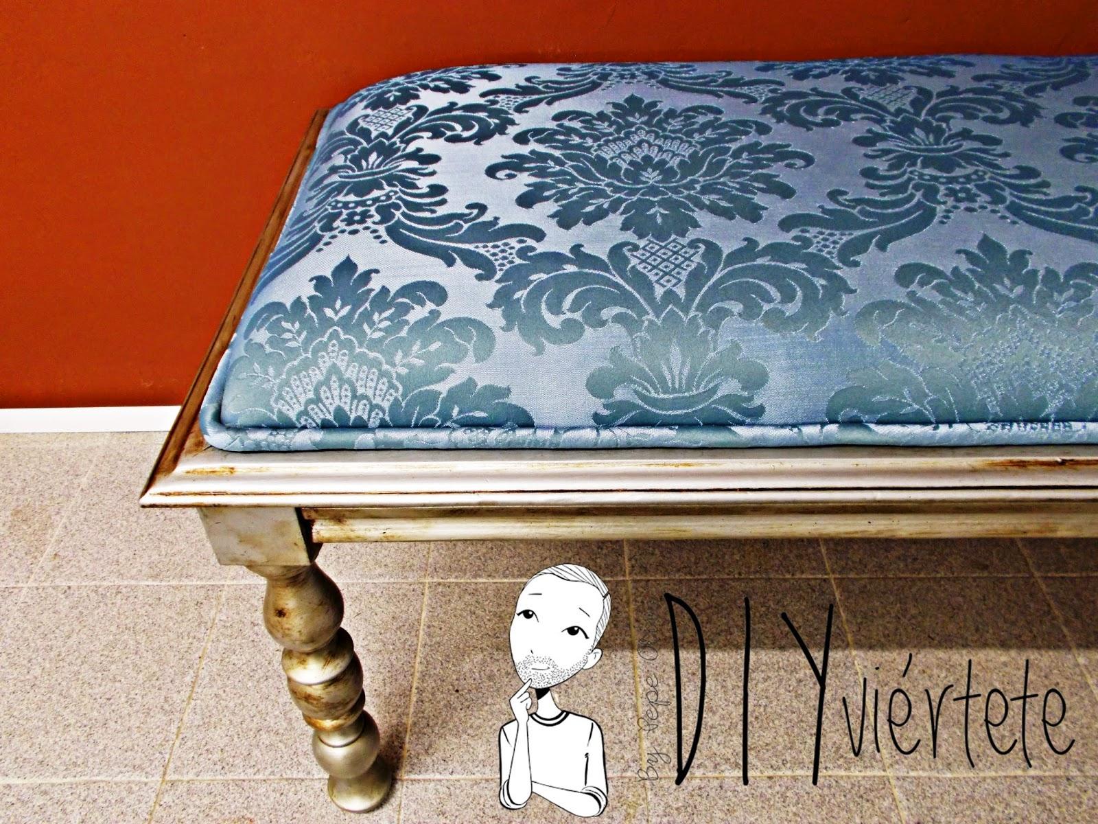DIY-decoración-muebles-reciclar-reutilizar-basura-mesa-mesita-banqueta-pinter-restaurar-betún-Judea-brocado-espuma-miraguano-1