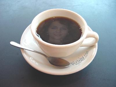 A UNA TAZA DE CAFÉ