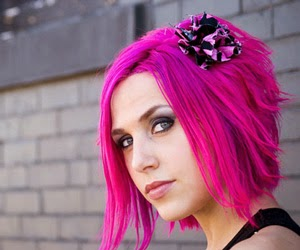 ARIEL BLOOMER - ICON FOR HIRE