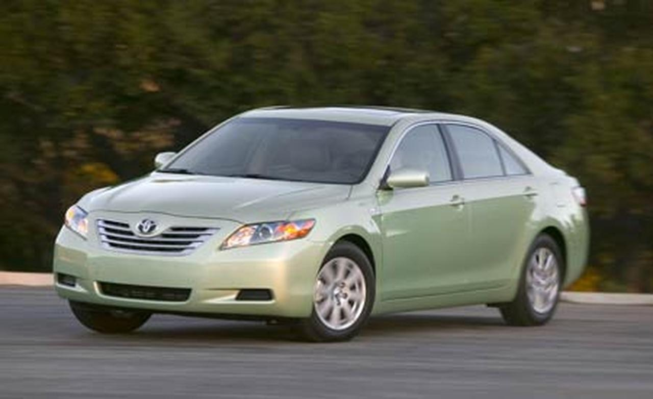 toyota camry hybrid spy shots car features pictures. Black Bedroom Furniture Sets. Home Design Ideas