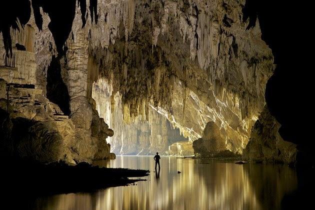 Tham Lod Cave, Thailand