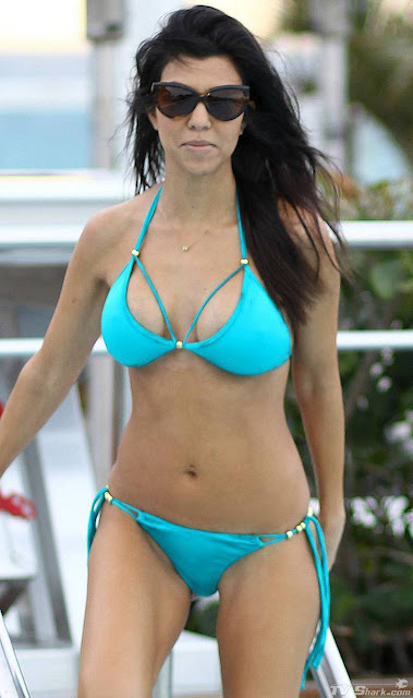 Kourtney kardashian hot bikini body actress photosz