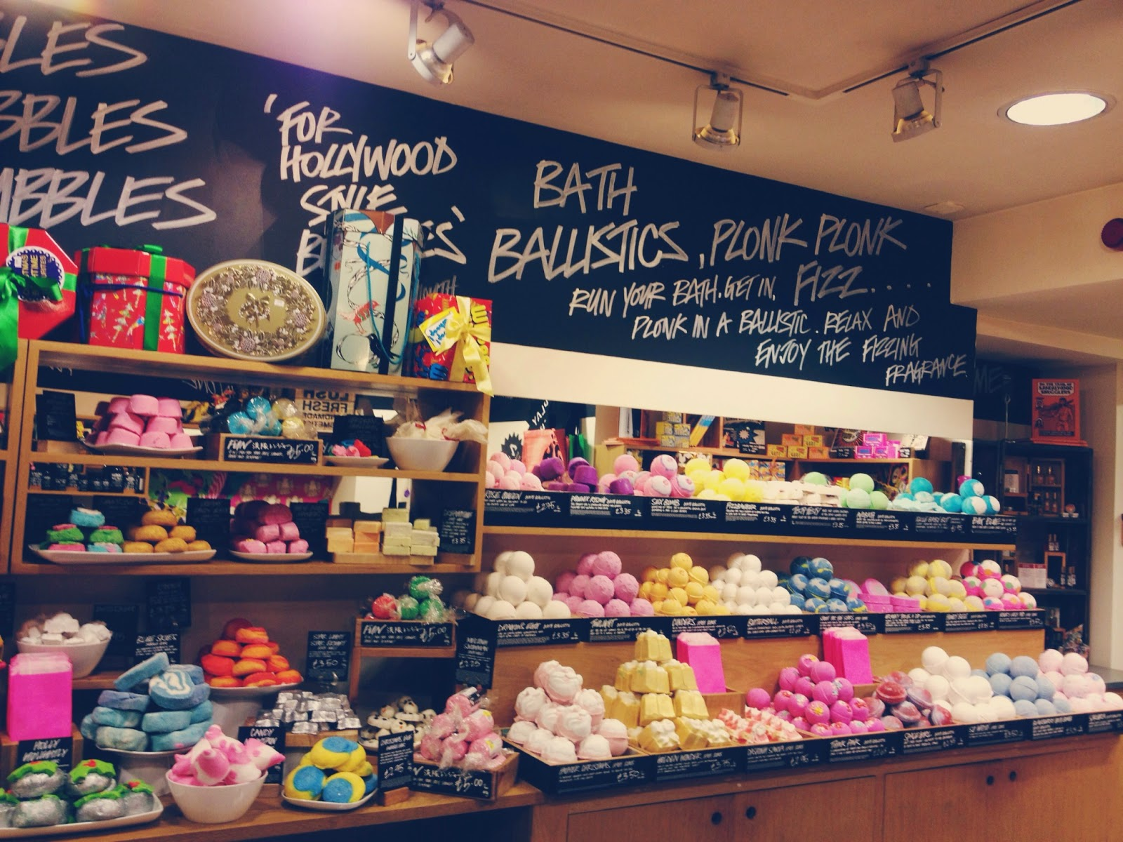 Lush Aberdeen Christmas Blogger Event bath bombs