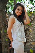 Aksha pardasany glamorous photos-thumbnail-6