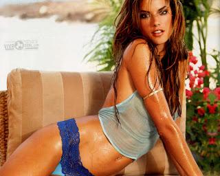 Alessandra Ambrosio Hot Picture
