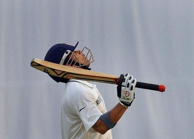 sachin tendulkar becomes first cricketer to get 15 000 test runs