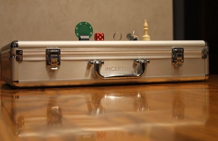 Inceptor - Jogo de tabuleiro baseado em Inception