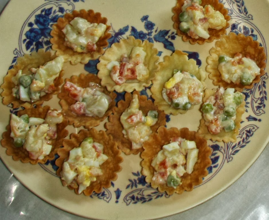 Canapes baskets forminhas goan recipes n more for Canape fillings