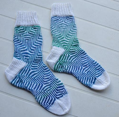Pucker Socks - free Pattern