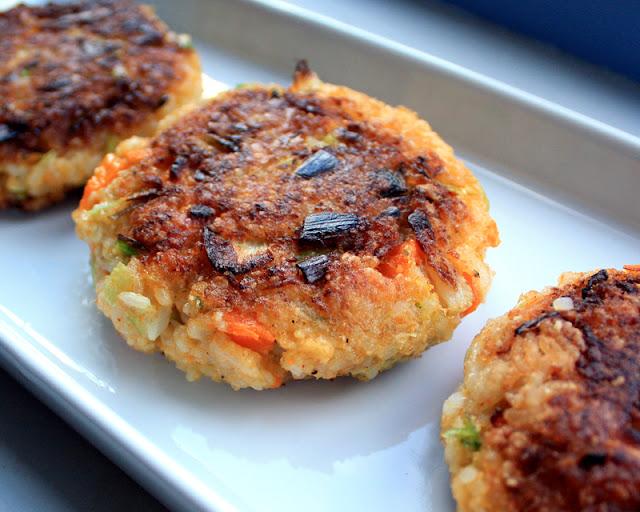 Oppskrift Lunchkaker Vegetarburger Veganburger Ris Blomkål Gulrot Enkle Hjemmelagde Sunne Burgere