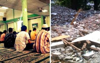 Masjid Amir Hamzah, (kanan) setelah dibongkar