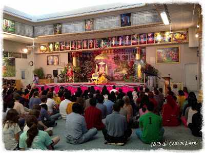 Holi at Radha Madhav Dham USA with Shree Maharajji's devotees