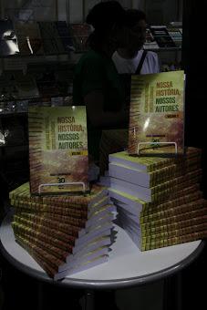 Nossa História, Nossos Autores