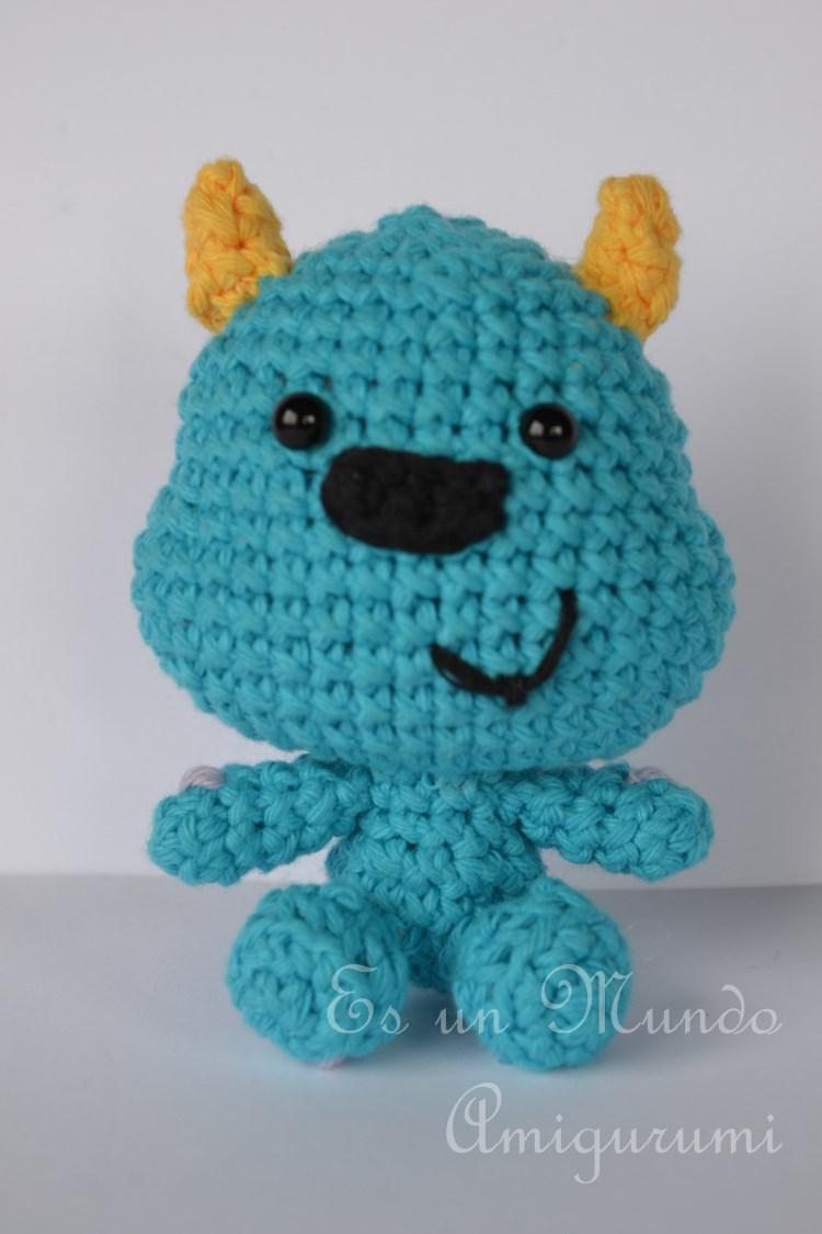 Amigurumi Monster Inc Patrones : Es un Mundo Amigurumi: Mini Sulley Amigurumi... Monster Inc