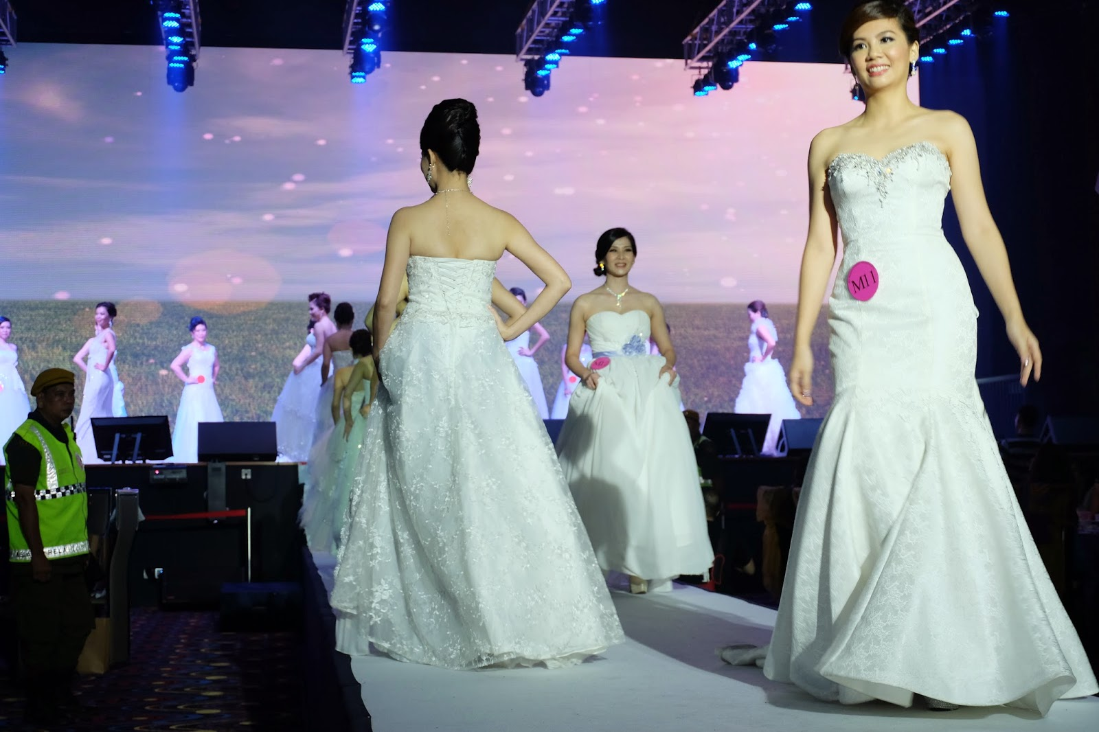 WEDDING GOWN PARADE BY ALL 26 FINALISTS IN BOTH CATEGORIES OF MRS MALAYSIA CHINATOWN AND CLASSIC