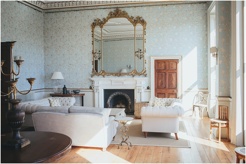 Gorgeous drawing room with blue walls
