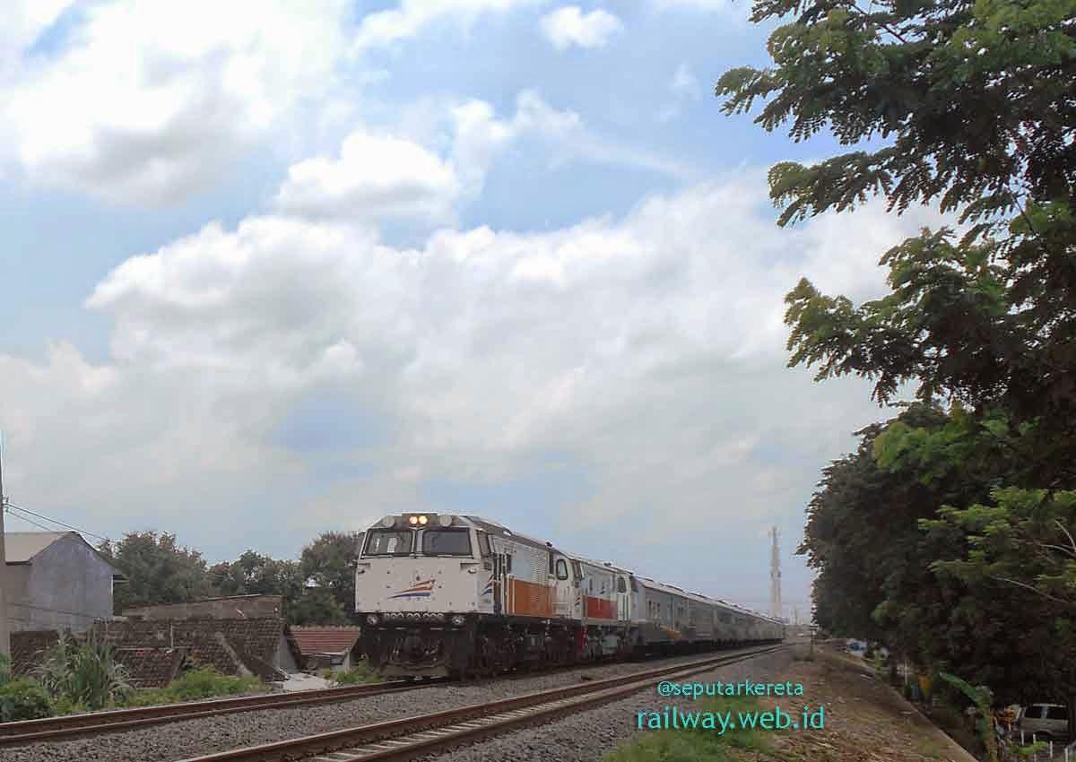 kereta api sancaka lokomotif TG