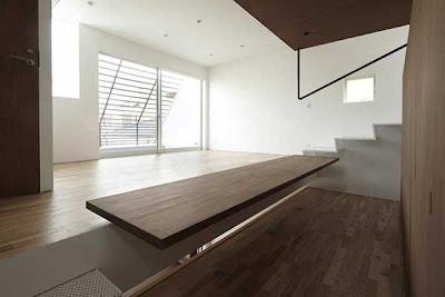 Desain Rumah Minimalis 3 Lantai Unik Mempesona