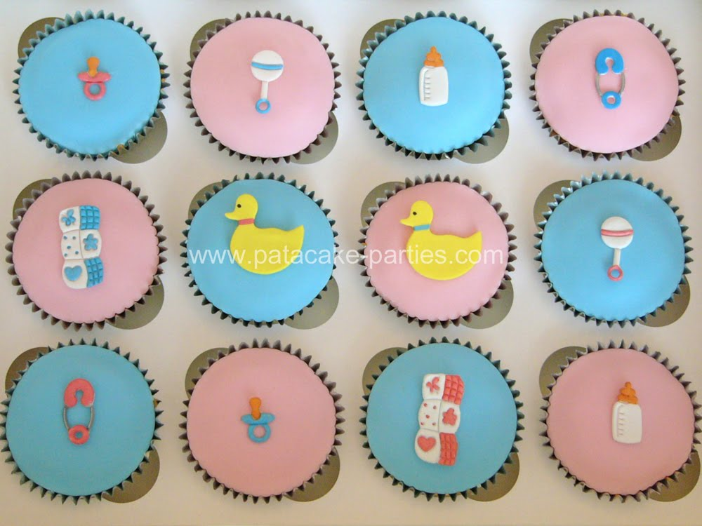Pat a cake parties babyshower cupcakes for Baby shower cupcake decoration