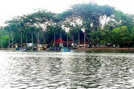 Setu Babakan atau Danau Babakan terletak di Srengseng Sawah, kecamatan ...