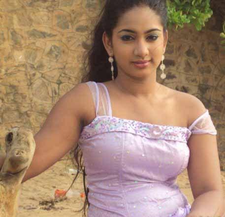 Srilankan Models & Actresses: Hot Actress Chamalsha Dewmini