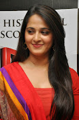Anushka at rudramadevi trailer launch-thumbnail-10