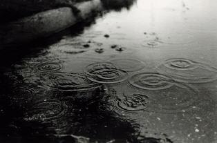 http://4.bp.blogspot.com/-IWKoOG9tHcM/Tc2cuKLgBkI/AAAAAAAABTQ/fSmxd-PW12E/s1600/hari+hujan+berkah.jpg