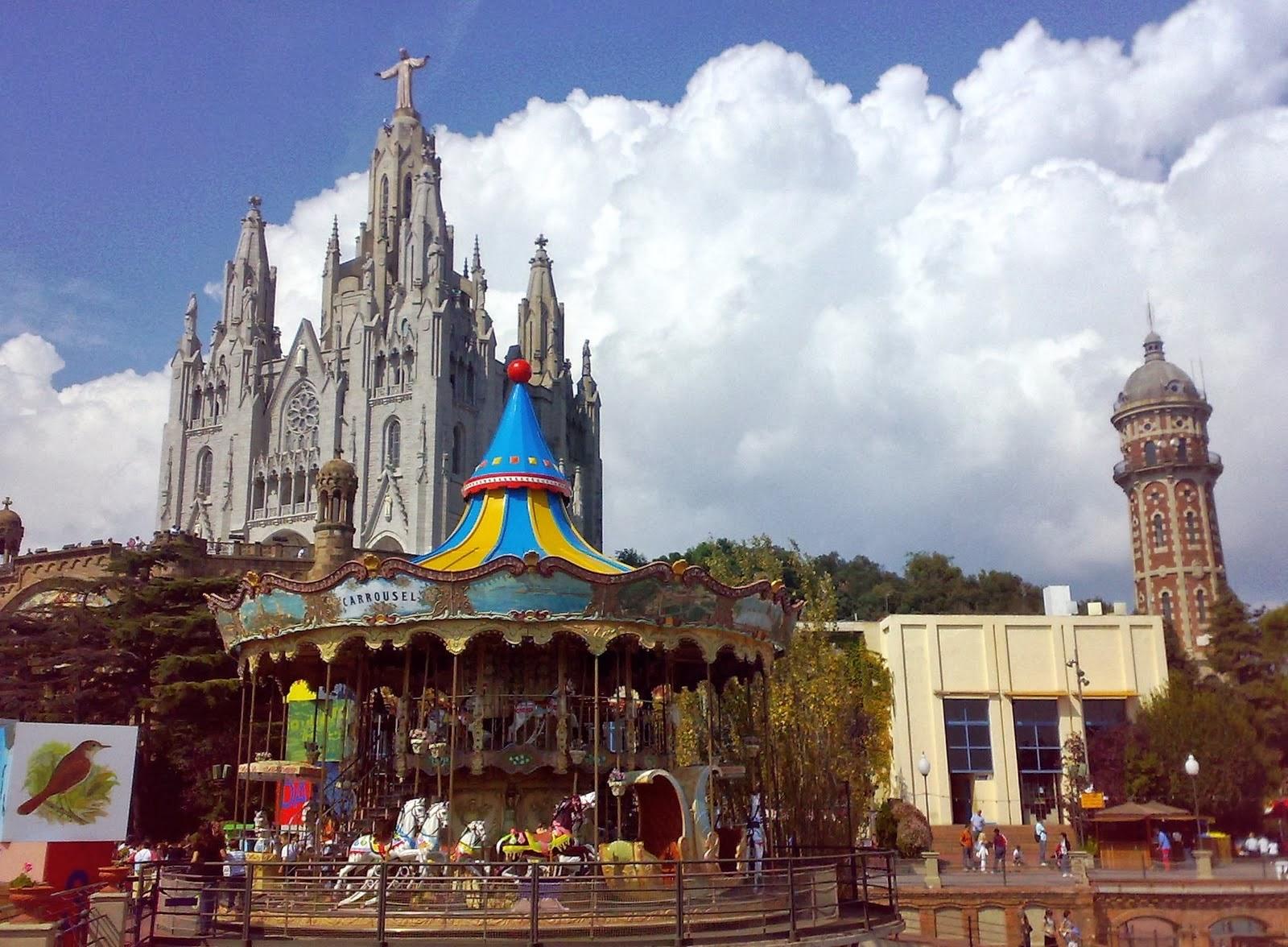 Parque del Tibidabo y el Templo del Sagrado Corazón