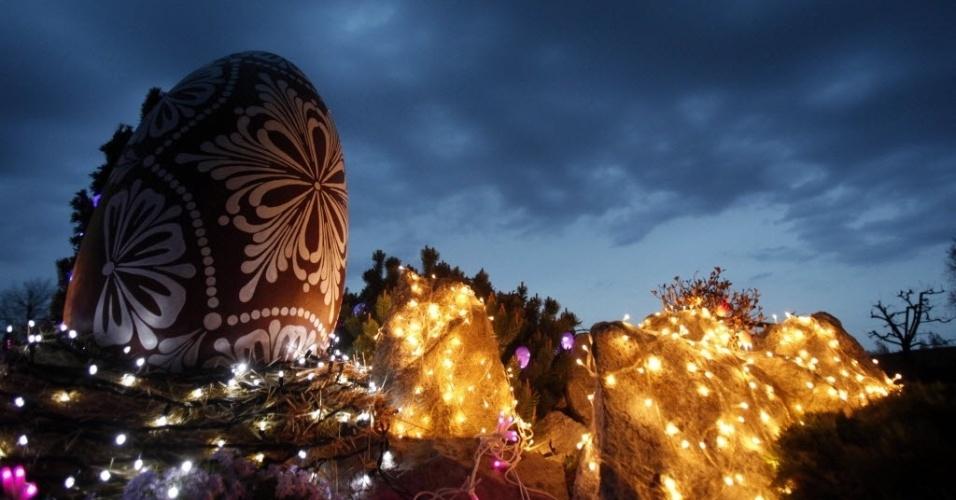 Arte em Chocolates Decoraç u00e3o de jardim Ovo de Páscoa gigante -> Decoração De Pascoa Jardim