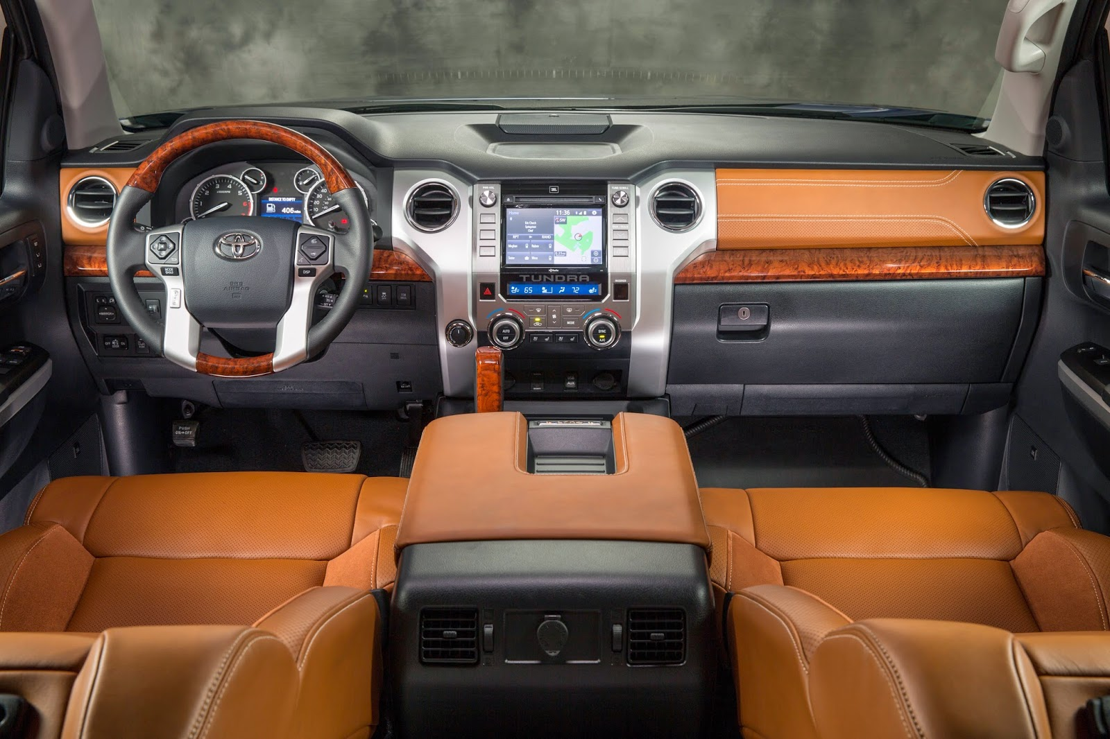 Interior view of 2014 Toyota Tundra 1794