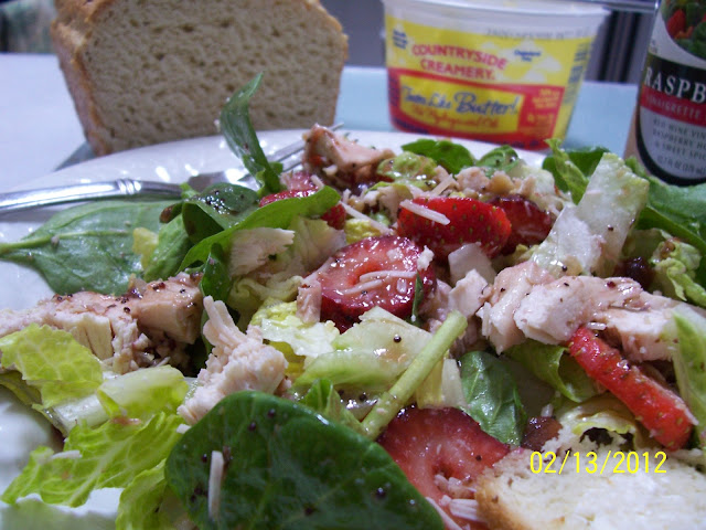 Gluten Free Strawberry Chicken Spinach Salad with dressing recipe