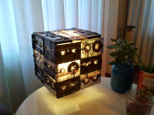 Cassette tape lamp ikea hackers ikea hackers for Cassette ikea