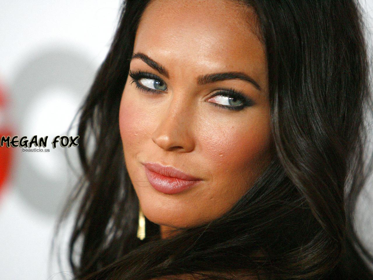 http://4.bp.blogspot.com/-IX08kYTQsT0/T-DtfckxGHI/AAAAAAAAAWA/c0z4-hUDg8Y/s1600/megan_fox_imdb.jpg