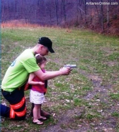 mengasuh anak anak mereka apapun alasannya tindakan tindakan mereka
