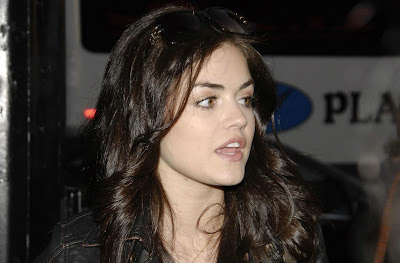 Hot Wallpapers Of Hollywood Actress Lucy Hale