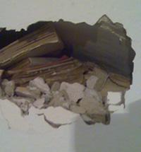Hueco en la pared y obras en casa