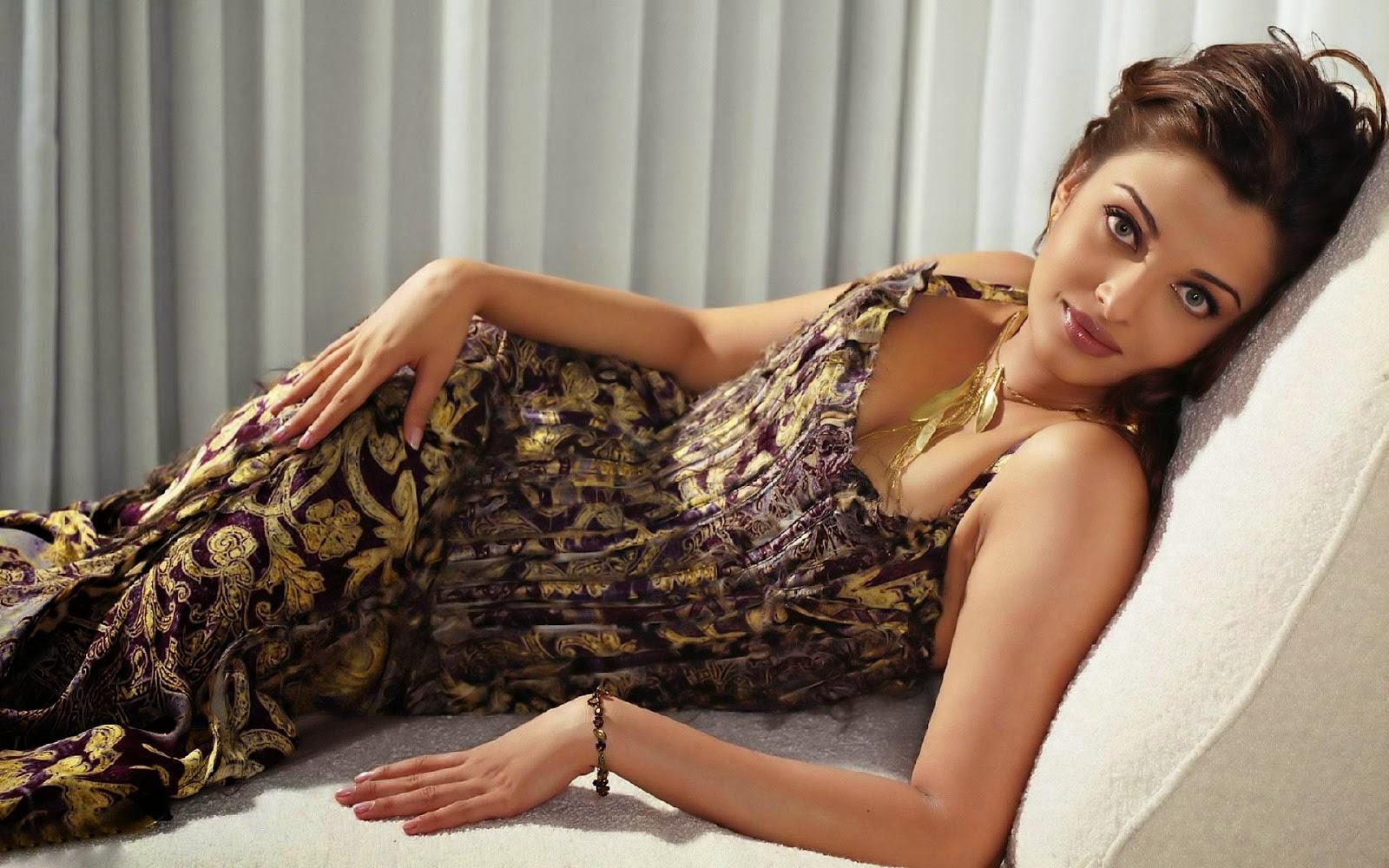 Bollywood aishwarya rai on bed or sofa desktop wallpaper