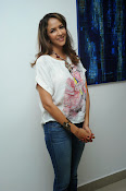 Lakshmi Manchu Latest Stylish Photos-thumbnail-19