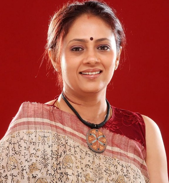 LAKSHMI RAMAKRISHNAN IN SAREE SOUTH INDIAN TV SERIAL ...
