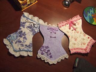 Tarjetas corset.